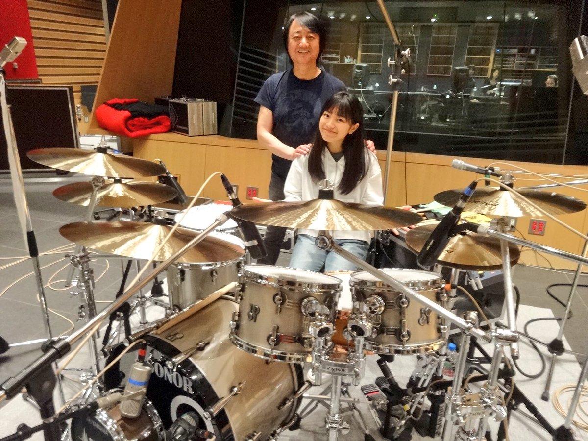 みんなのうたで公開中のmiwa「結-ゆい-」のドラムは日本を代表するスーパープレイヤー山木秀夫さん。…