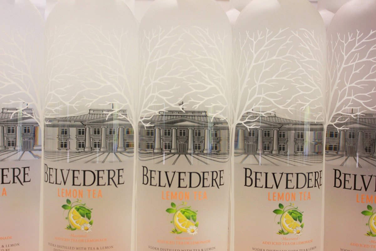 Indulge in a taste of summer with Lemon Tea @Belvedere_UK! Available in @WorldDutyFree now: