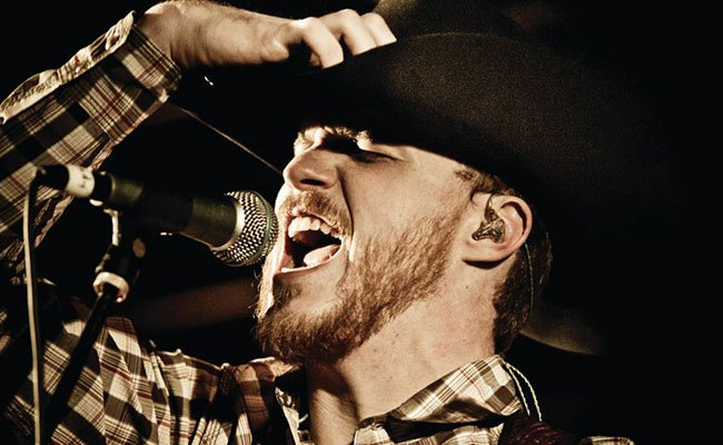 """Hear the #premiere of #country singer Cody Johnson's new single """"Wild As You"""". https://t.co/XQA6yrZmd7 https://t.co/8lMORvrVYX"""