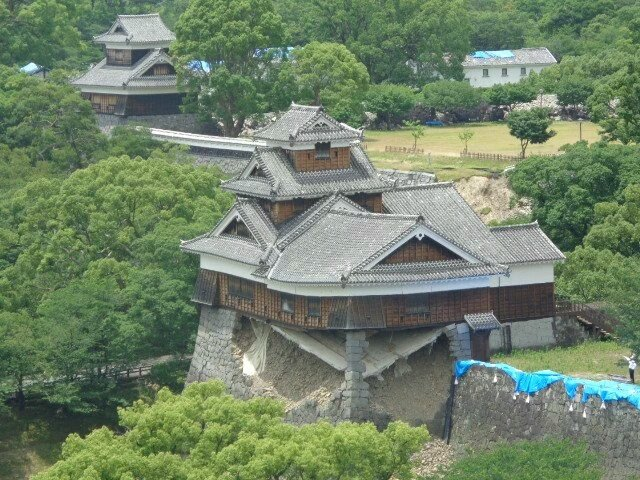 奇跡の一本石垣と呼ばれた飯田丸の応急工事が完了しました。これで崩落する恐れが無くなったから大変嬉しい…