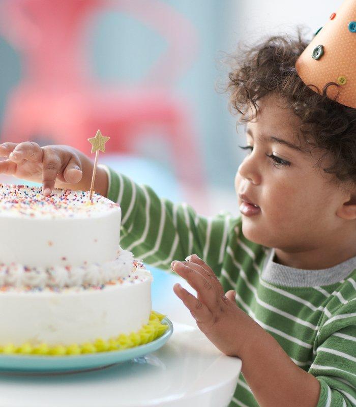 #HappyBirthday August babies! https://t.co/TggJiHzmZm