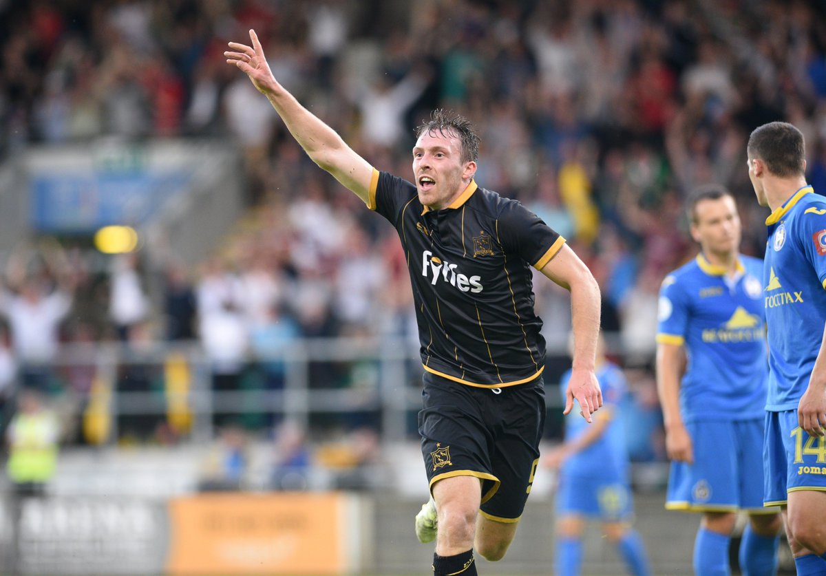 What a night for @DundalkFC, a fantastic performance means Kenny's men advance to the @ChampionsLeague play-offs!! https://t.co/PI8Kxz8QKi