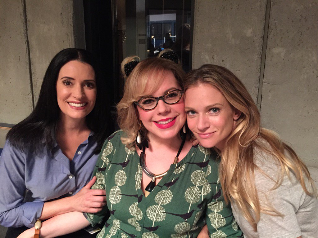 Lady Sandwich with the ravishing @ajcookofficial and @Vangsness !! https://t.co/KmSl0bUgYQ