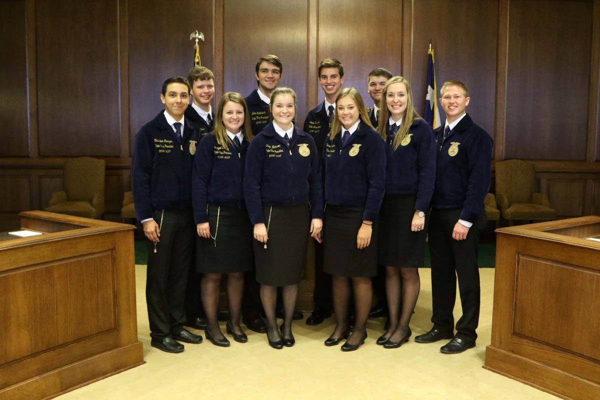 .@TexasFFA State Officers are at @TexasFarmBureau this week for leadership training. Good luck this year! #FFAproud https://t.co/AJP4h8zuyH