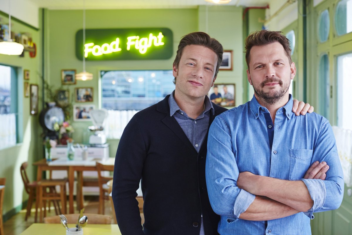 Guys me & @Jimmysfarm are heading back to #Southend pier! Wanna join us? https://t.co/g0usEyZCpU #FridayNightFeast https://t.co/7XcjoNdWad