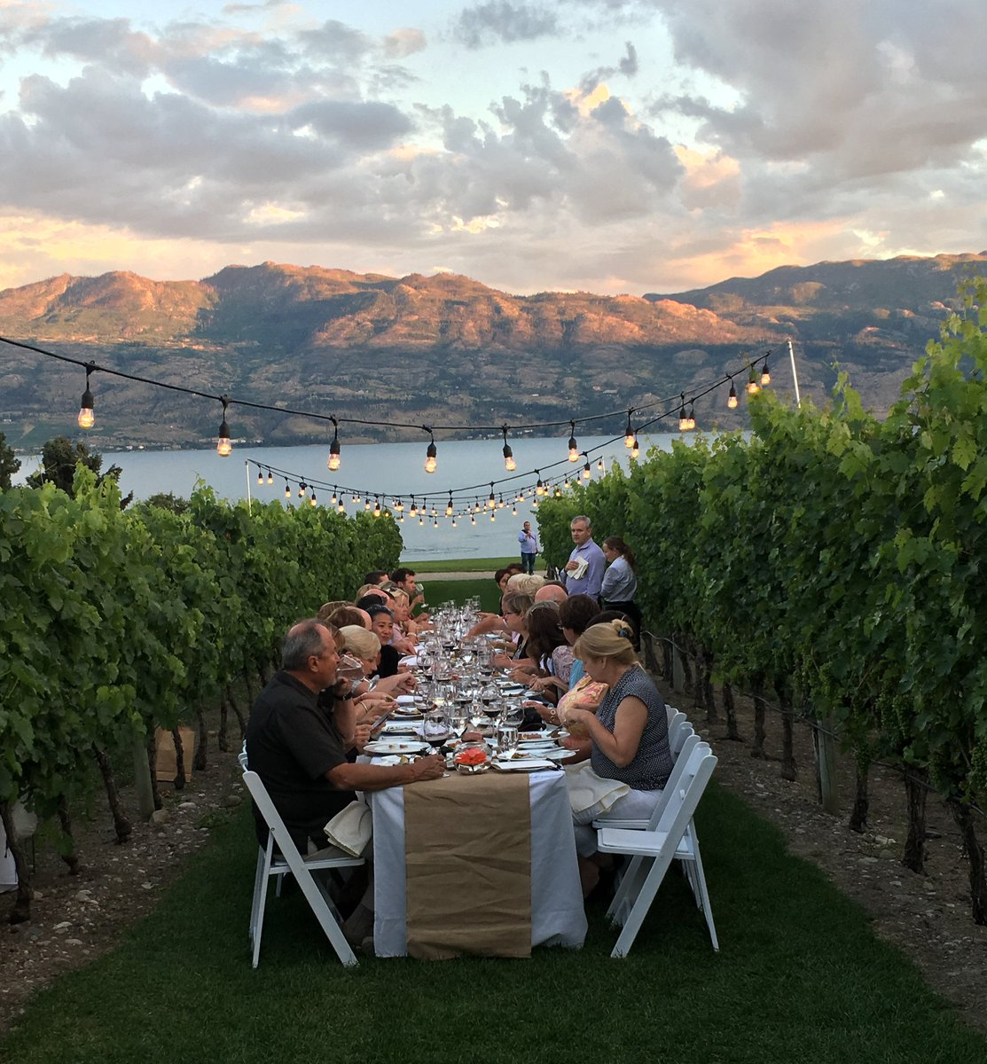 ONLY 6 SEATS LEFT!! Aug 31 Dinner in the Vineyard is the only night in the series with any seats left. 250-769-2518 https://t.co/h0QGJIup6r