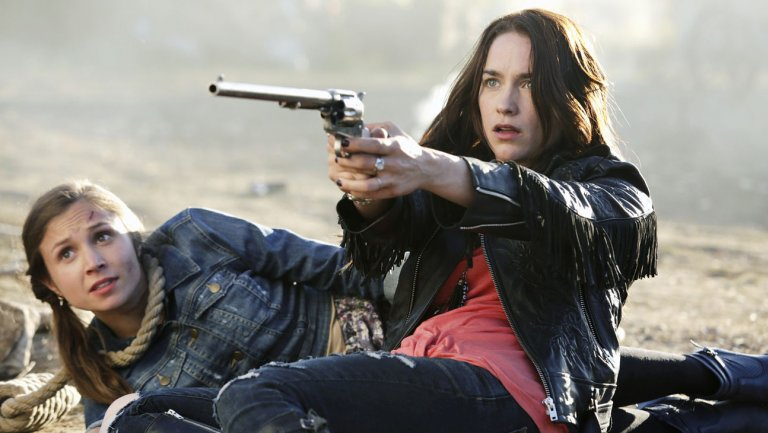 Comic-Con: WynonnaEarp Renewed for Second Season at Syfy