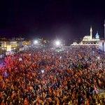 Konya'da yüz bin kişi tek yürek oldu, vatan sevgisi meydanlara sığmadı.  #OgünküGibiMeydanlardayız https://t.co/OiNxVxthd7