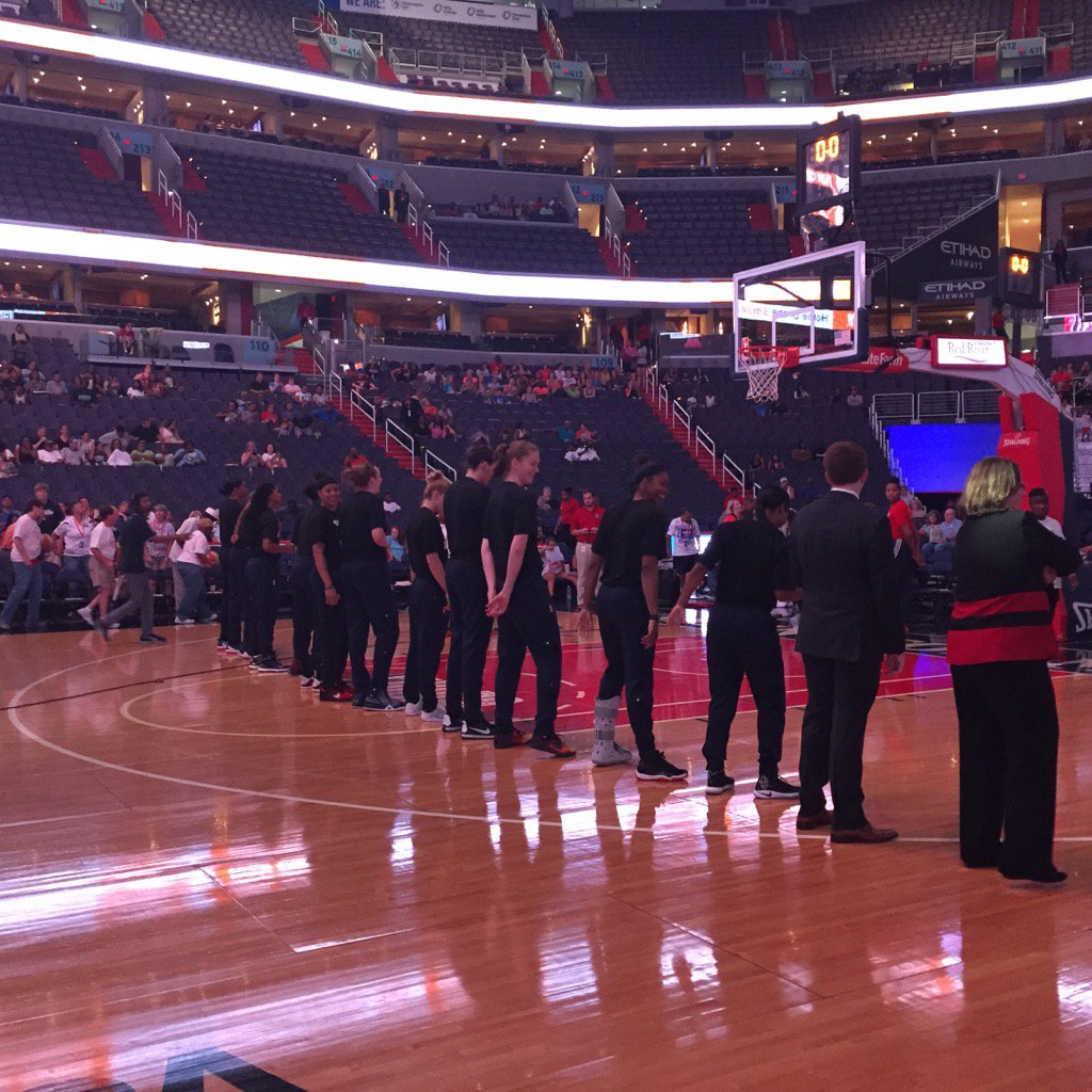 Mystics players wearing black T-shirts in support of Black Lives Matter movement. Warmups usually red & blue. https://t.co/YfQPu7m6Hj