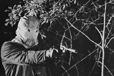 10 Terrifying Stories Behind Infamous Movies https://t.co/7QcRjF28Gu https://t.co/CUrTO1z0me