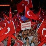 Bu meydanlar bizim. Türkiye bizim #OgünküGibiMeydanlardayız https://t.co/O3TcsORRkP