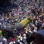 Suasana di Pondok AR Rahmaniah, Sik.  Ramai yang mengiringi jenazah Tn. Guru Hj, Saleh. Mari hadiahkan al Fatihah. https://t.co/nceGEwxCpW