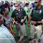 In Wichita, police and residents held a barbecue to defuse racial tensions https://t.co/03xnAkyPwR https://t.co/Kya0r8wYuy