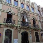 C/Alfonso XII 27. Ejemplo de edificio modernista de Anibal González #Sevilla https://t.co/fljm5qxC3O