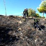 Incendio de maleza junto al Polideportivo de Las Fuentezuelas. Bomba Rural Pesada y 5 efectivos. 10:25 horas. https://t.co/wMmddWfK3R