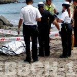 Esta mañana personal de salvavidas encuentra a una persona fallecida en sector de Roquerios en una playa de #Iquique https://t.co/al5MIdHkjV