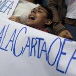 Enfrentamiento de poderes convierten a #Venezuela en Estado disfuncional https://t.co/vRALLfJoX7 (@DelgadoAntonioM) https://t.co/Z945jQ9p7O