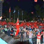 Trabzonda demokrasi nöbetimize şarkılarıyla destek veren Sayın Uğur Işılaka çok teşekkür ediyoruz.. https://t.co/iUZZrc0QaG