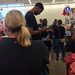 Tim Duncan waiting in line at an Old Navy is exactly what I thought hed be doing after he retired.  https://t.co/G26ihyeu5M