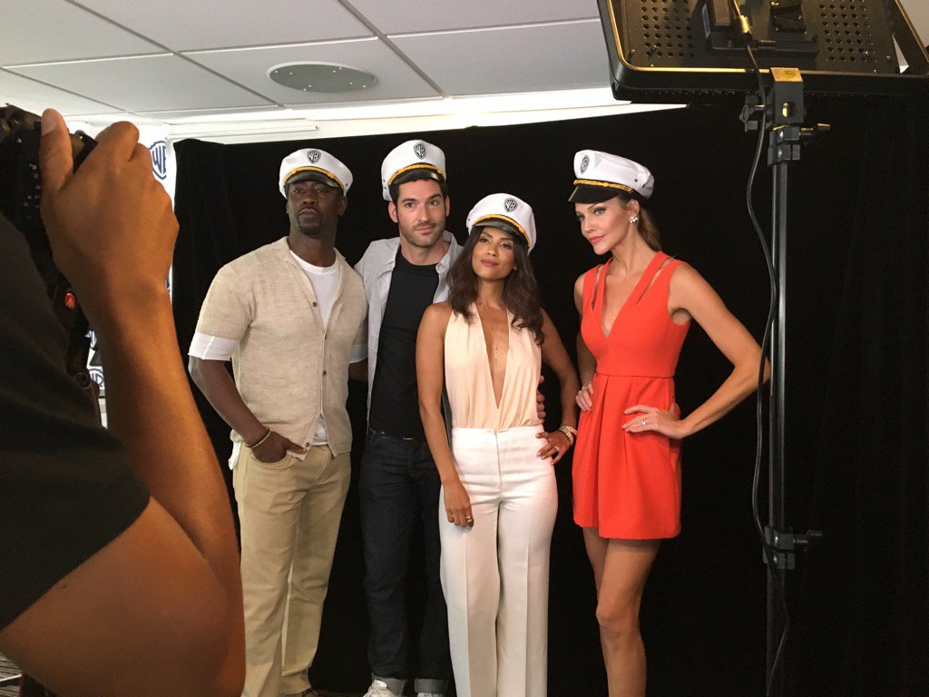 Going sailor-y at the #WBSDCC yacht with some of the #Lucifer cast. https://t.co/FiS4v5hQSB