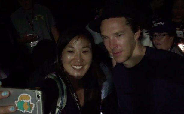 See Benedict Cumberbatch surprise fans waiting in line at ComicCon: SDCC 😱