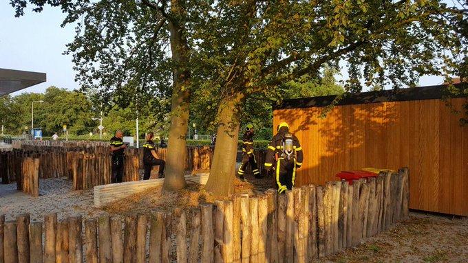 Melding van mogelijke brand in bijgebouw aan de Heulweg in Wateringen bleek loos alarm. Brandweer weer vertrokken https://t.co/C7z6ofOChy