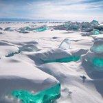 """🔴""""بحيرة بايكال"""" في سيبيريا, #روسيا أعمق وأقدم بحيرة مياه عذبة في العالم تحتوي على 20% من المياه العذبة بالعالم . https://t.co/8Tz735OyWO"""