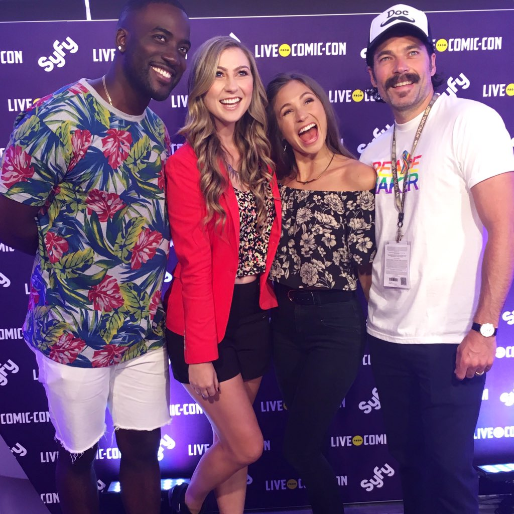 These guys are just the BEST! #SDCC2016  #WynonnaEarp #LiveatSDCC https://t.co/cwij7jDgpM