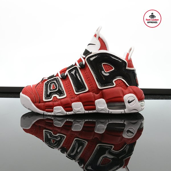The grade school nike air more uptempo in Rouge/Noir/Blanc is in
