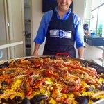 A comer paella Asturiana, que aunque mi compadre es más Mexicano que el chile, le va al @RealOviedo https://t.co/6iFnYR4Txb