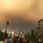 Ominous sky over Harry Potter World #Universal #SandFire #LA https://t.co/Qr3FnjlpSg
