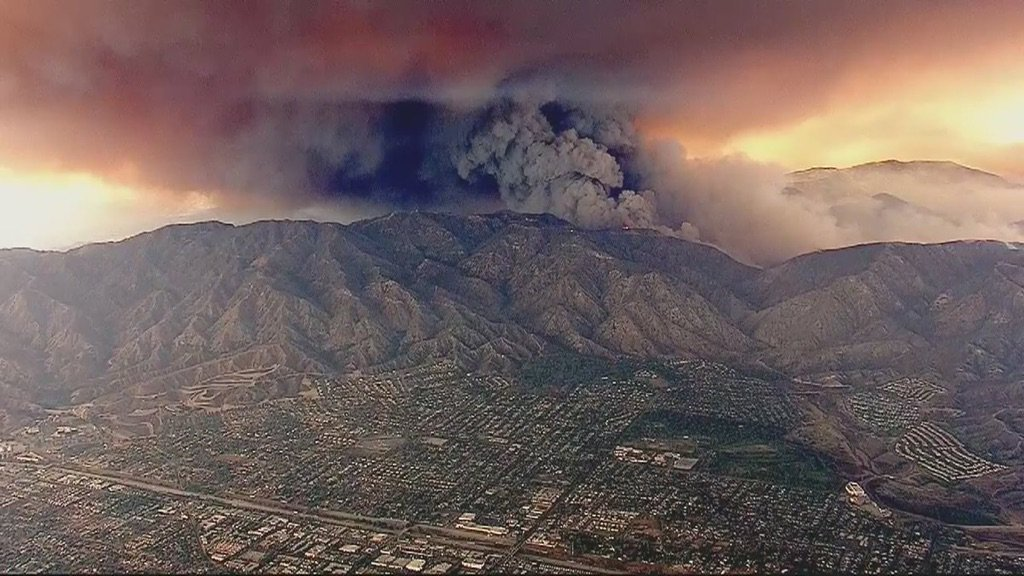 Wow this #SandFire is INSANE!