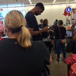 🔥🔥🔥🔥🔥 RT @BleacherReport: Tim Duncan retired about a week ago and is now waiting in line at Old Navy 😂 https://t.co/tJSqGPwO25