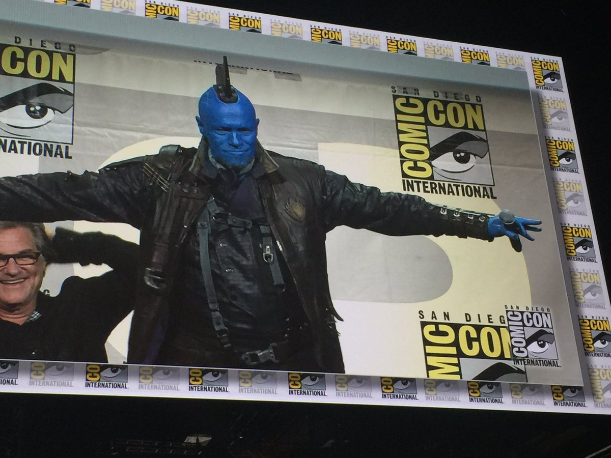 Michael Rooker's Yondu introduced as a member of #GuardiansoftheGalaxy vol2 with a new head fin #MarvelSDCC https://t.co/XTBx3eWWSy