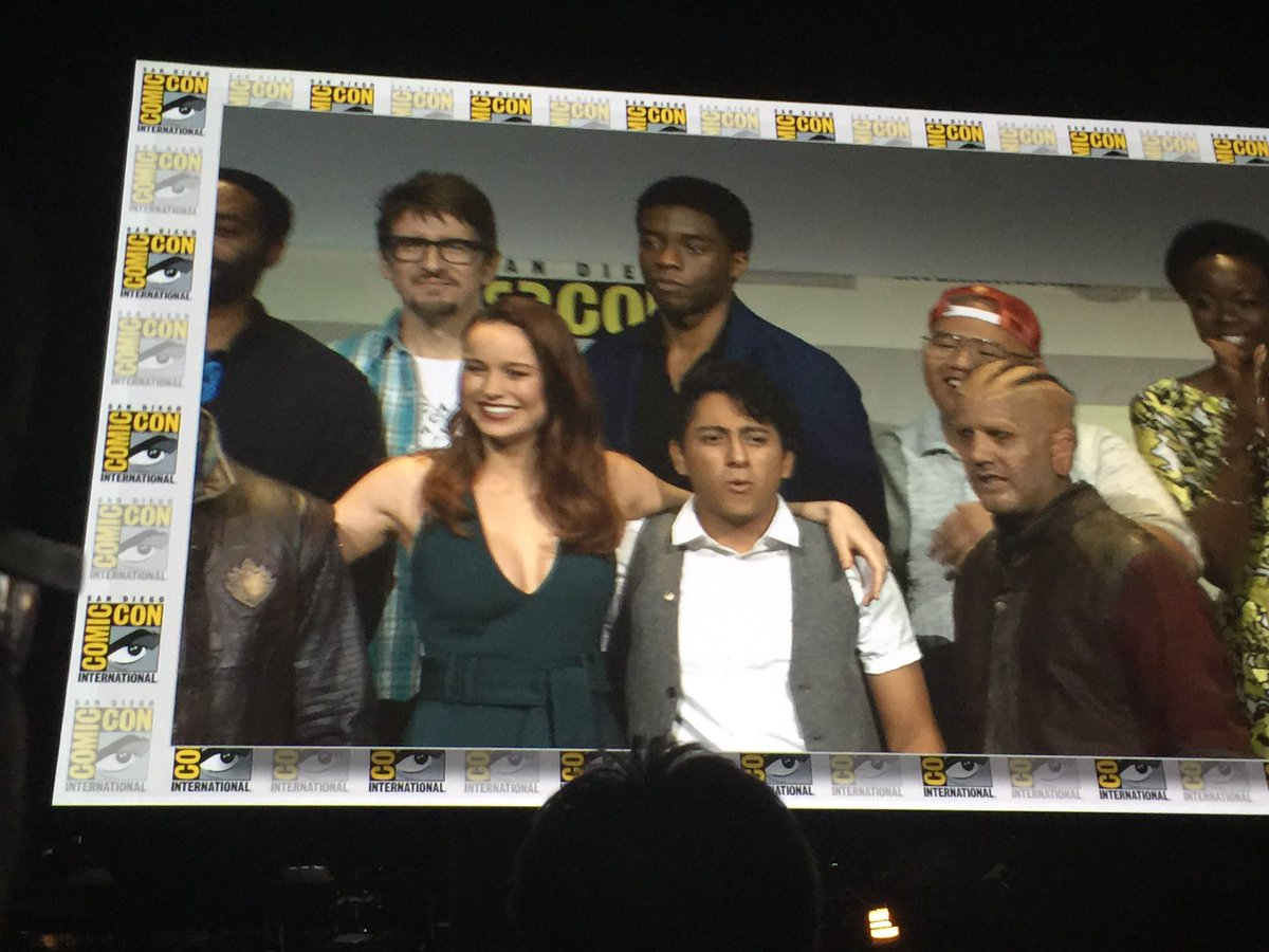 Brie Larson takes the stage as #CaptainMarvel #marvelSDCC https://t.co/102O1AcfeN