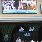 The V Foundation California Chrome Charity Package Auction was auctioned off for $20,000! Thank you to all! https://t.co/2iEXgEsjD7