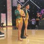 El besito de @DianaSanchez_04 para mi churro @Luis6Adrian en @ELGRANSHOW_Peru #GranFinalEGS a bailarr y ganar!!! https://t.co/JBlpxnSXqd