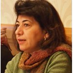 دنيا ميخائيل وهي شاعرة عراقية باللغة العربية والإنكليزية ولدت في سنة 1965 و خريجة جامعة بغداد #العراقية_في_سطور https://t.co/SLxAXCg9rF