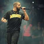 .@KCStar photographer @trb_photography had some epic photos of Drake rocking #Mizzou gear   https://t.co/EeCD3sojcC https://t.co/Y0oriBqT3S
