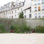 Les jardins secrets de Paris #1 : le jardin Anne-Frank