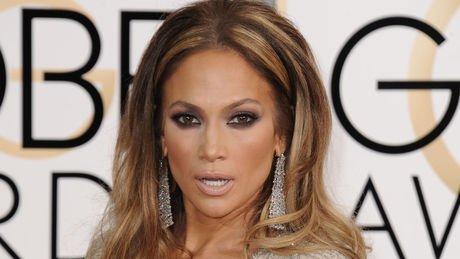 Bon anniversaire à Jennifer Lopez qui fête ses 47 ans. HB @JLo https://t.co/fDSccYGMiD