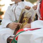 """""""القلـب #قابوس و #عمان الكرآمه وما بين هالاثنين جينا محبين"""" ❤️ #٢٣يوليو_نبض_عُمان https://t.co/rd7pCGDm5o"""