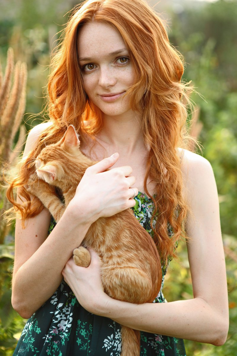 "Mark Twain once said that ""while the rest of the human race are descended from monkeys, redheads derive from cats."" https://t.co/S2RbQEJQUK"