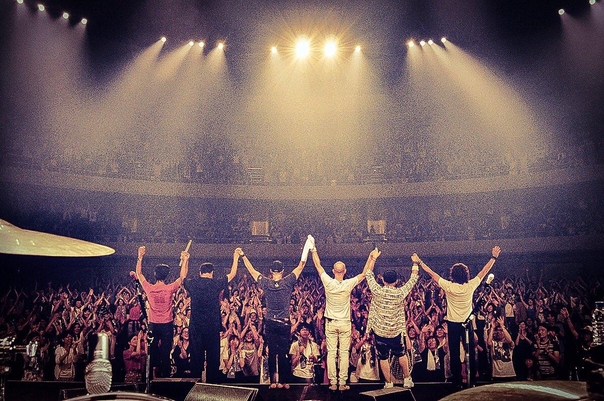 これまで何度ものツアーをやってきたけど、今回のツアーは本当に最高でした。会場に来てくれてすべてのファンたちに、ありがとう。#music #family #monkeymajik https://t.co/ZDqQ7UOWi0