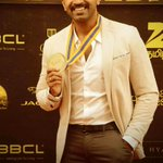 Thanks #behindwoodsgoldmedals for the award for best actor in a supporting role #YA 😊😊 I owe this to all the fans😊🙏 https://t.co/lUKV04hfGK