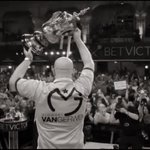 What an amazing picture, well done @MvG180 😻😻 https://t.co/s53n7w4SFI