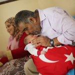 """#صور عائلات في #غزة تطلق على مواليدها اسم """"رجب أردوغان"""" تعبيراً عن تضامنهم مع الرئيس #أردوغان و #الشعب_التركي https://t.co/mzD52Kjvgk"""
