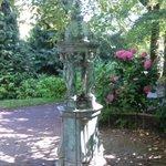 Réponse à limage mystère du jour : Une fontaine Wallace au Jardin des Plantes de #Nantes #patrimoine #culture #art https://t.co/XegAHMkAkS