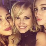 [PICTURE] Eliza with Alycia and Lindsey last night (via elizajaneface on instagram) https://t.co/HOxlzLQeRt