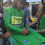 RT to win this @Green__Jersey signed by @petosagan @WeLoveCyclingFr #GreenJerseySkoda https://t.co/F24vMc0c8F